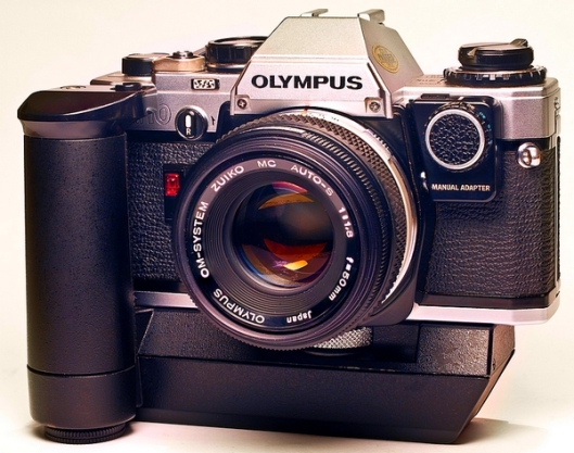 Olympus_OM10_with_winder_and_manual_adapter