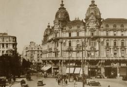 piata palatului regal_L