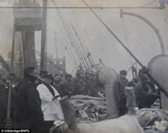 Mass for Titanic victims 1912